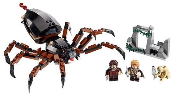 ed38_lego_lotr_shelob_attacks_pieces