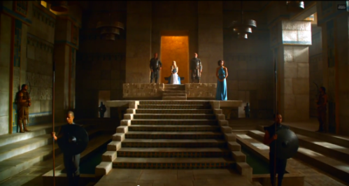 daenerys_throne