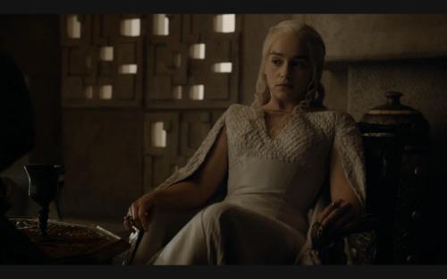 daenerys_lounging