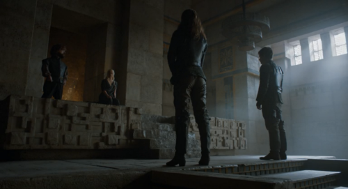 daenerys_greyjoys_low-angle