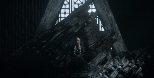 daenerys_throne