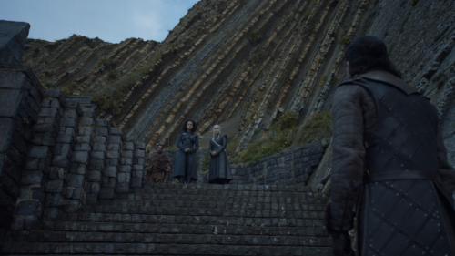 Missandei-daenerys-jon-stairs